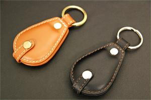 コインポケット付キーホルダー:牛革製