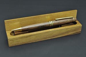 木箱入り木製ボールペン