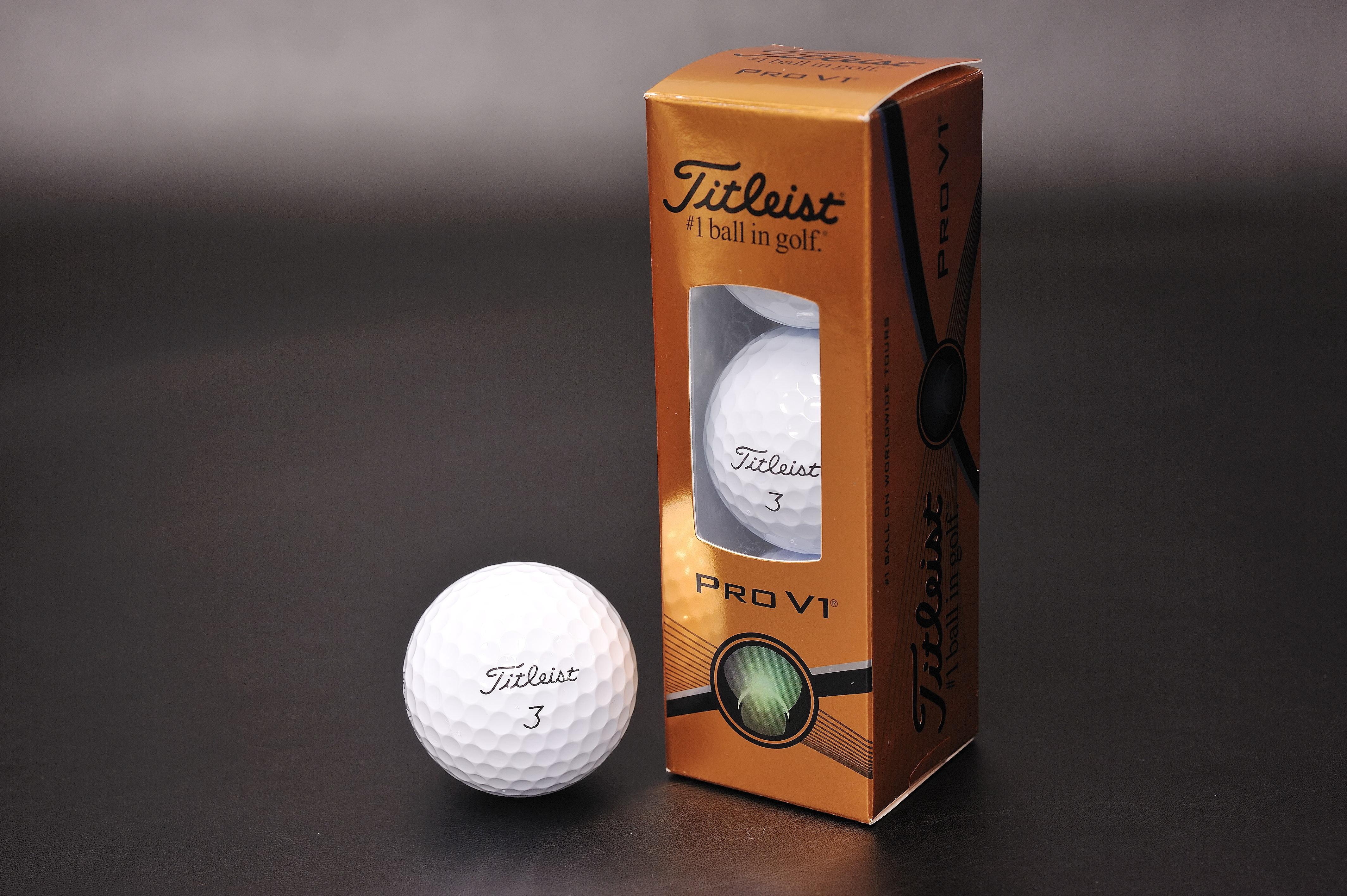 Titleist(タイトリスト)ゴルフボール:PRO V1 2015 3個入り【1520-s0585】