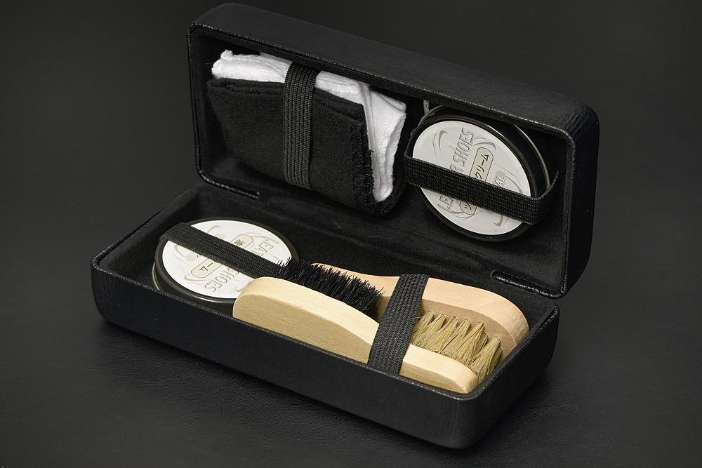 ハードケース入り靴磨きセット リニューアル【2004-s0993】